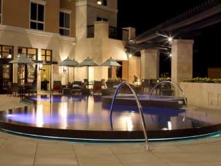 News_AVIA Hotels_The Woodlands_pool