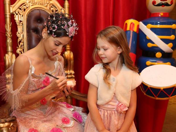 News, Houston Ballet Kingdom of Sweets , Dec. 2015, Jenna Cope