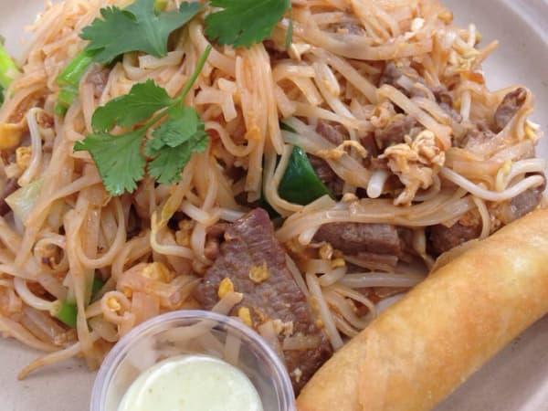 Aroi Thai Cuisine beef pad thai