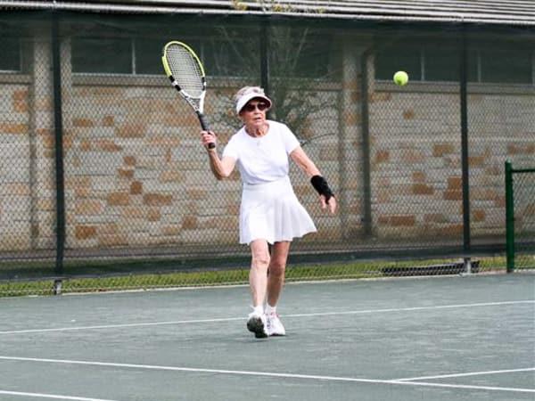 News_Elizabeth Bennett_Marion Tyrell_tennis_March 2010