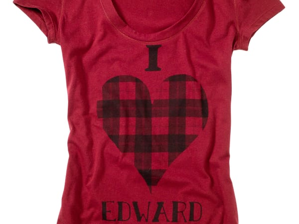 News_Heather Staible_retail therapy_Twilight_T-shirt_red