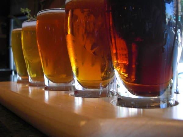 News_beer_mugs