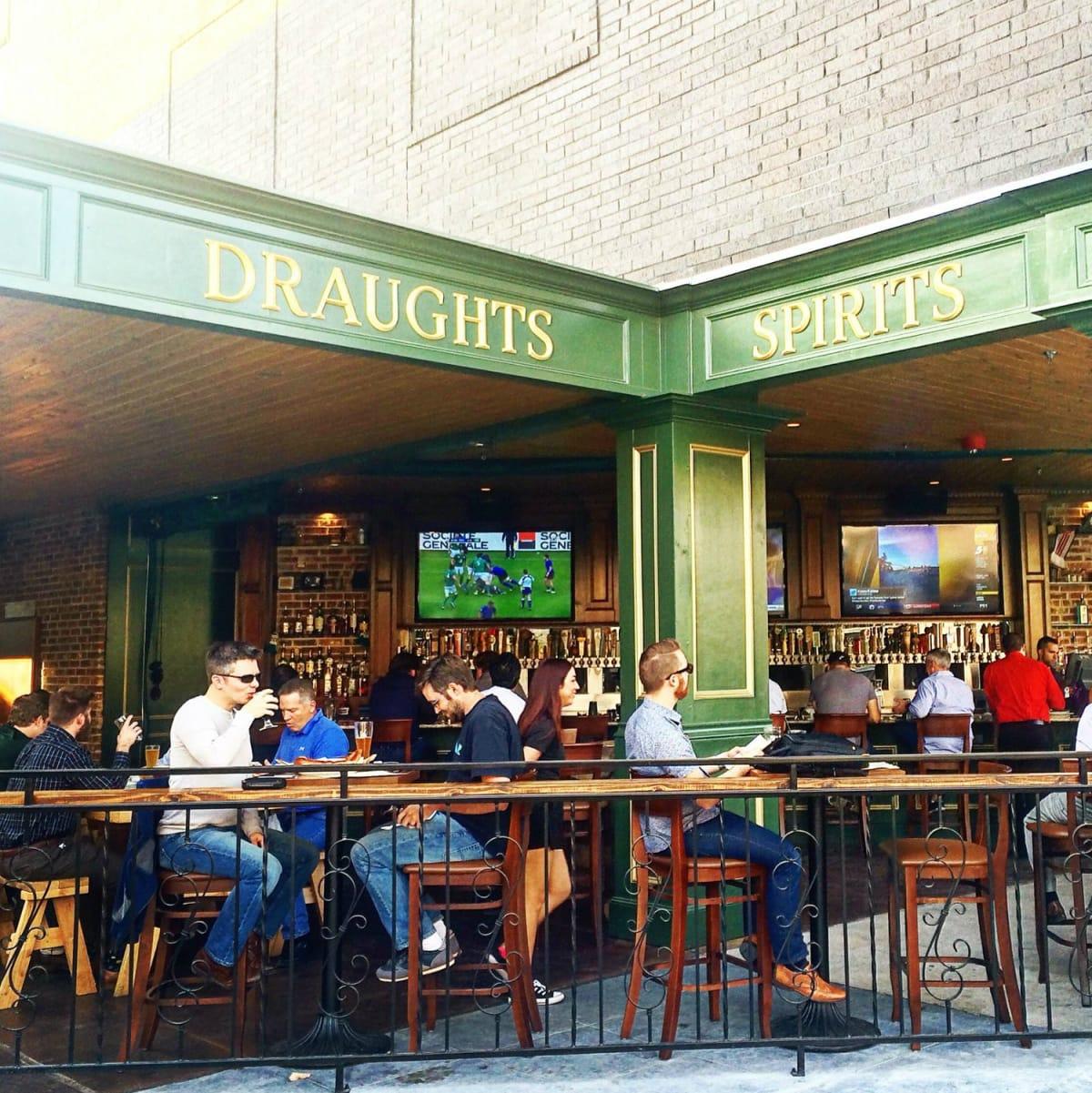 Jack & Ginger's Irish Pub Austin restaurant Domain Rock Rose patio