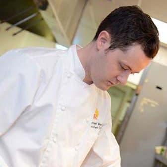 R Bar & Grill chef