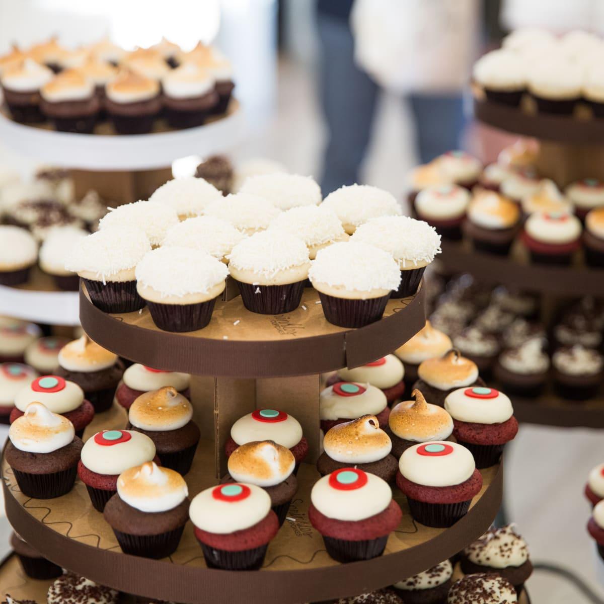 2015 Dallas Stylemaker Awards Sprinkles Cupcakes