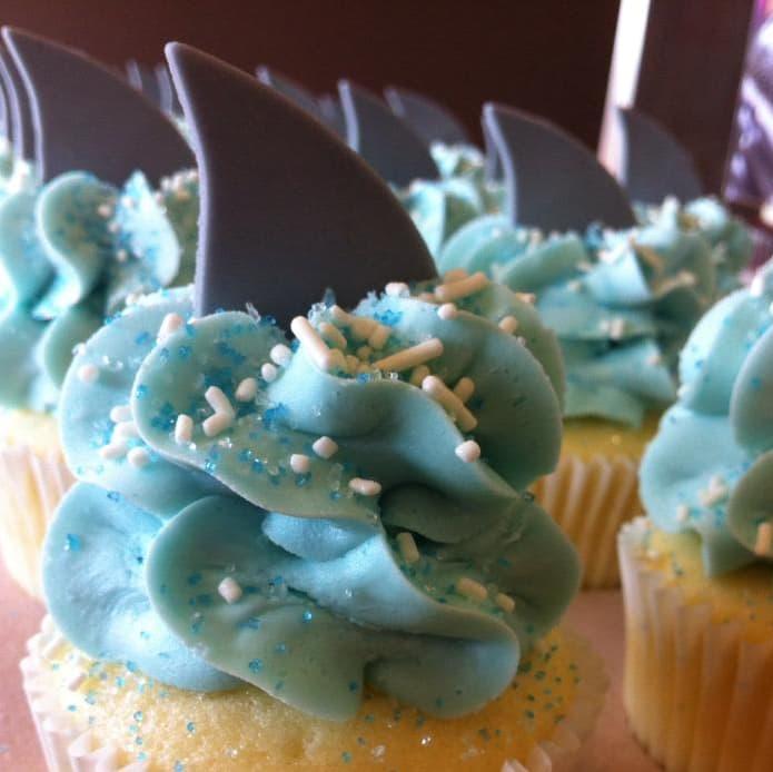 Gigi's Cupcakes Sugarland shark week cupcakes