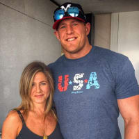 JJ Watt Jennifer Aniston twitter photo