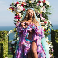 Houston, Beyonce, July 2017, Beyonce shares first photo of twins