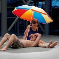 Ron Mueck: Couple under an Umbrella