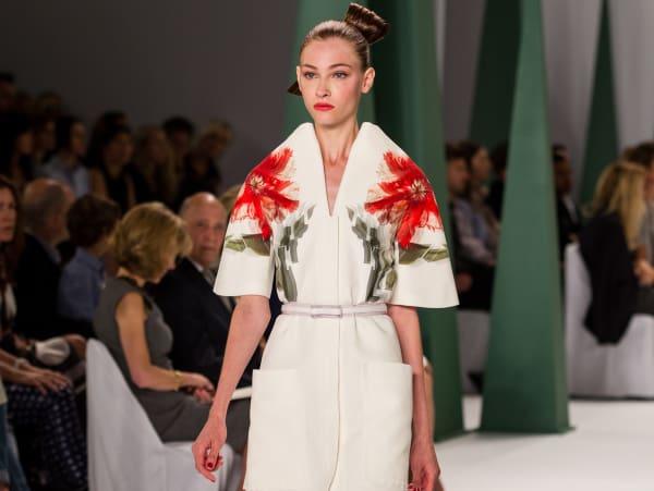 Fashion Week spring 2015 Carolina Herrera floral shoulders