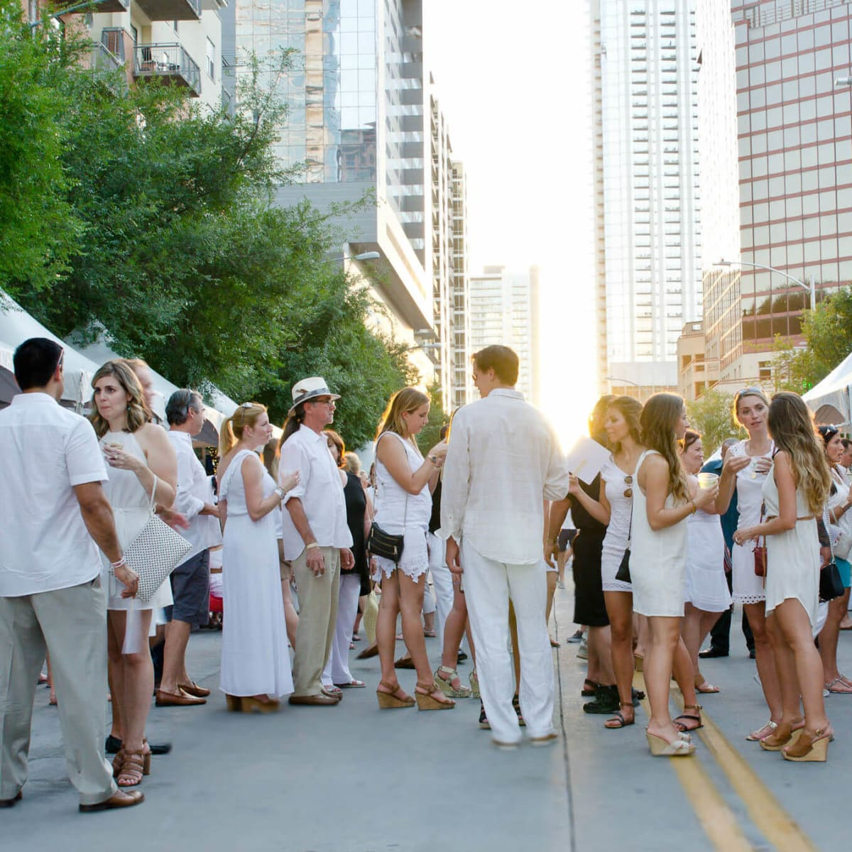 2nd Street District White Linen Night 2016 crowd
