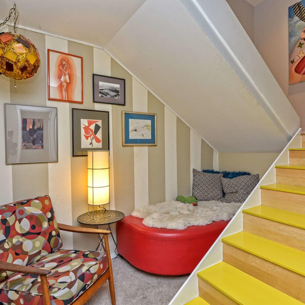 Austin home house 5932 Highland Hills Dr 78731 study niche staircase