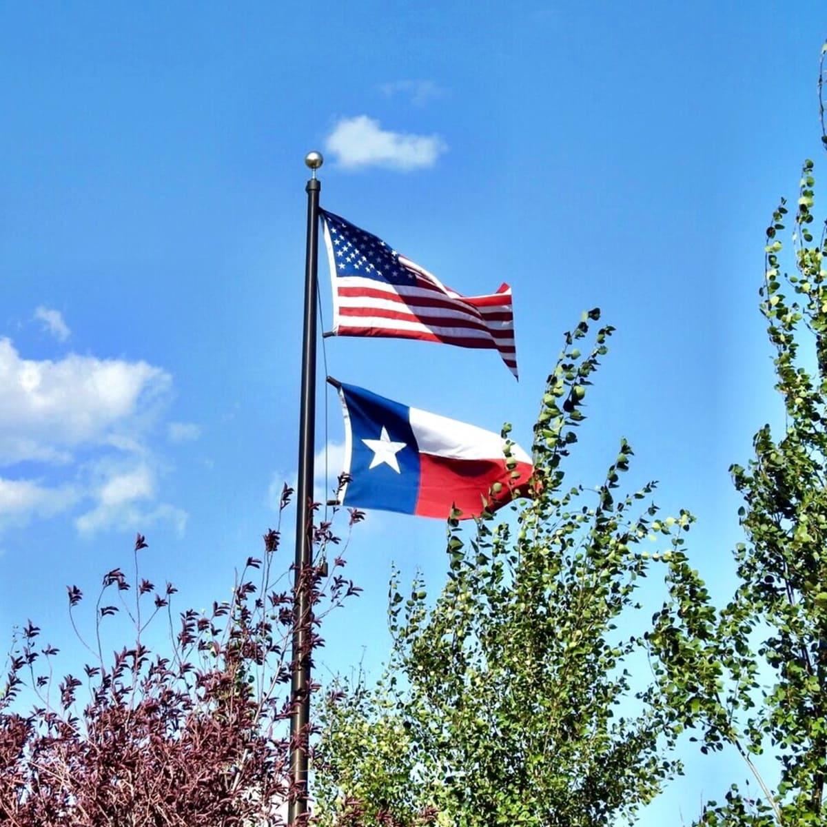 Texas Flag flies high in Park City