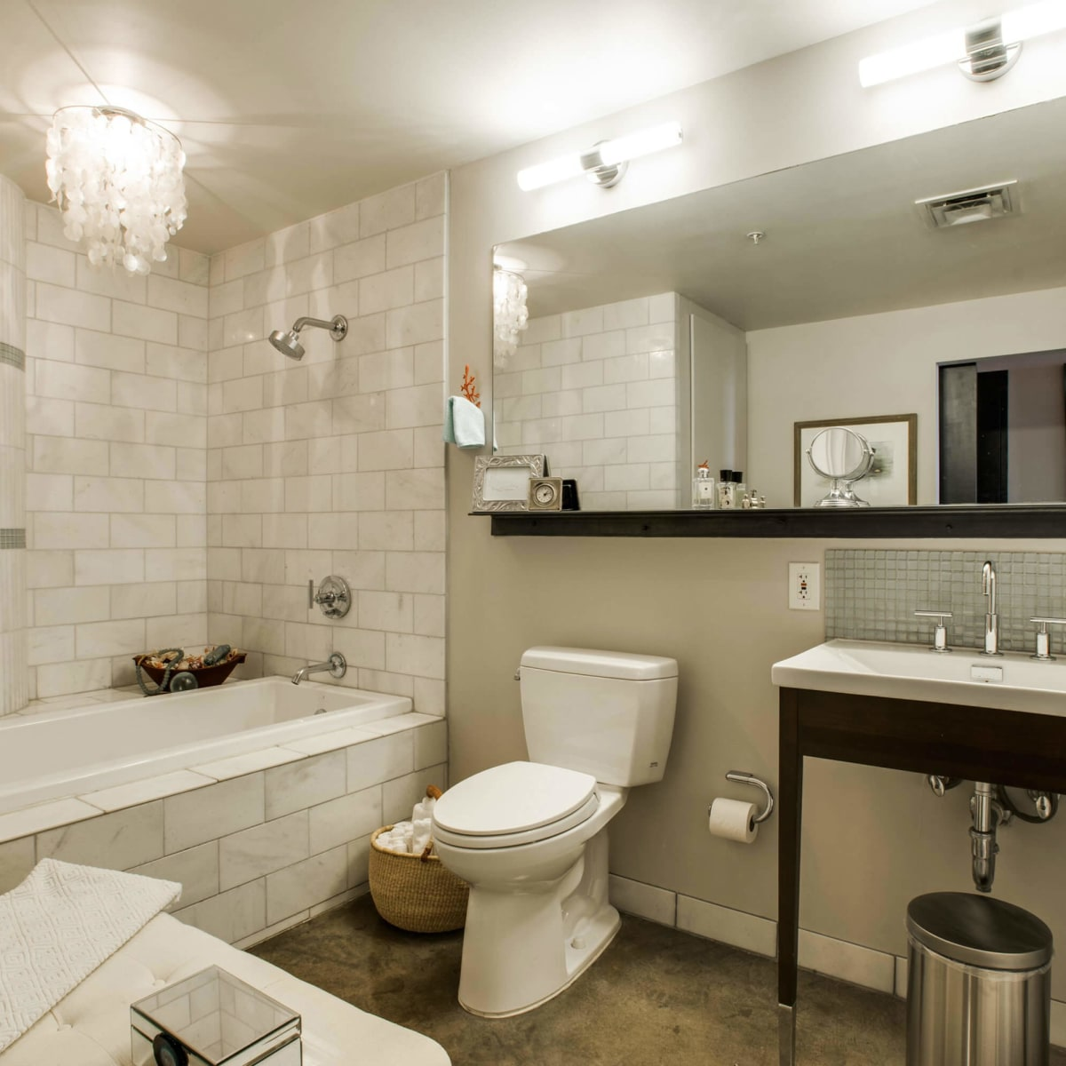 Bathroom at 1122 Jackson St. in Dallas