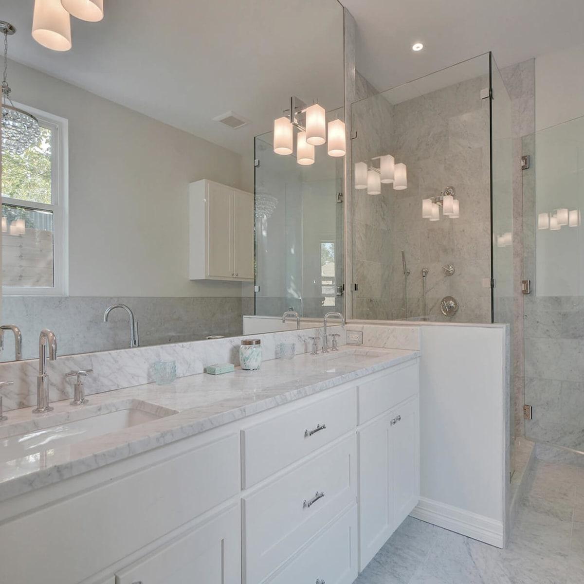 2010 Kinney Master Bathroom 1
