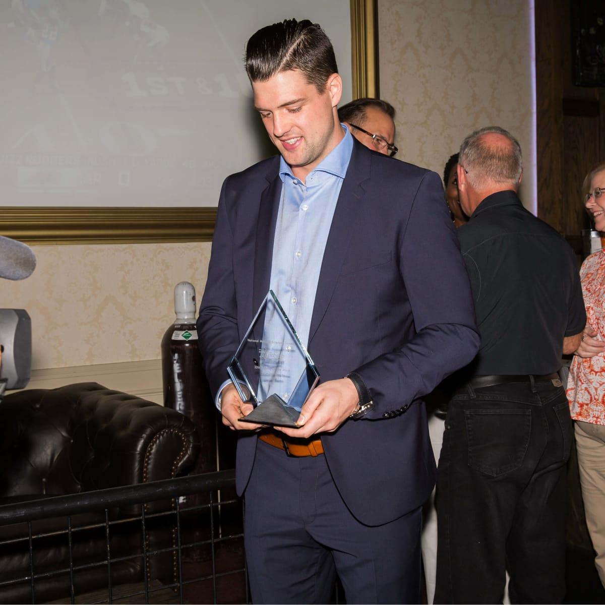 Jamie Benn with his NMSS award