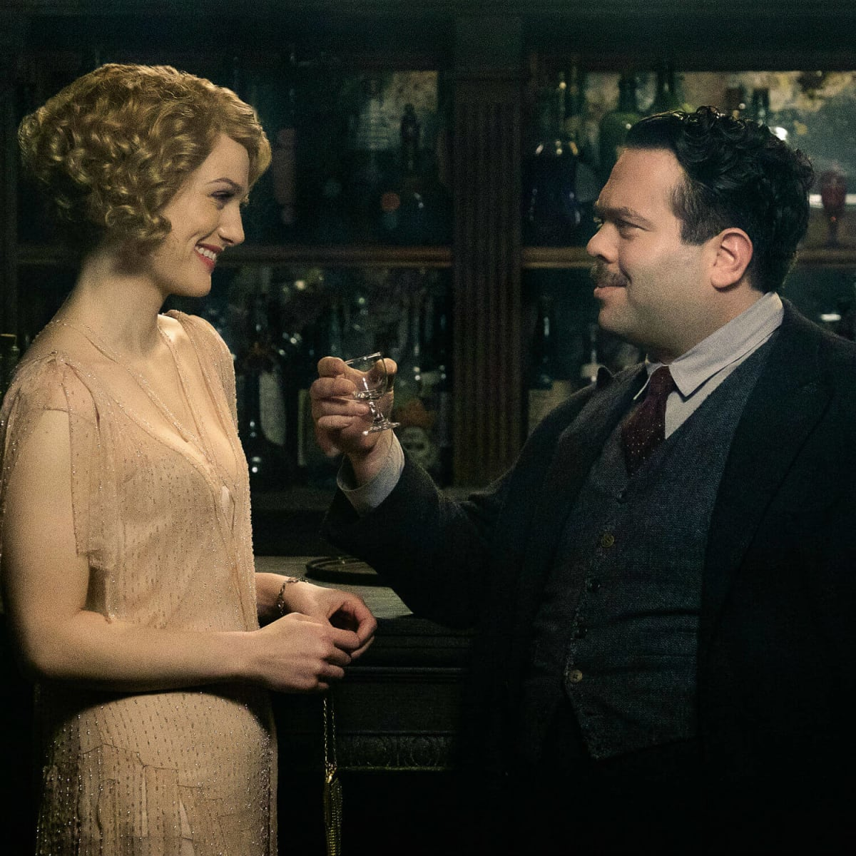 Alison Sudol and Dan Fogler in Fantastic Beasts and Where to Find Them