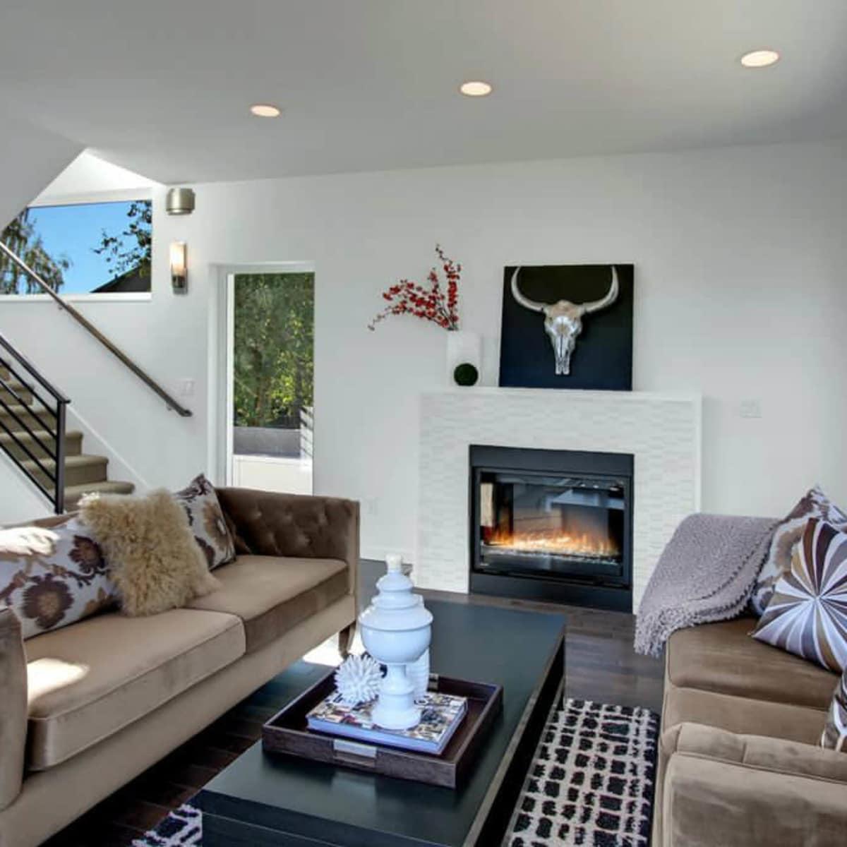 Living room with velvet sofas
