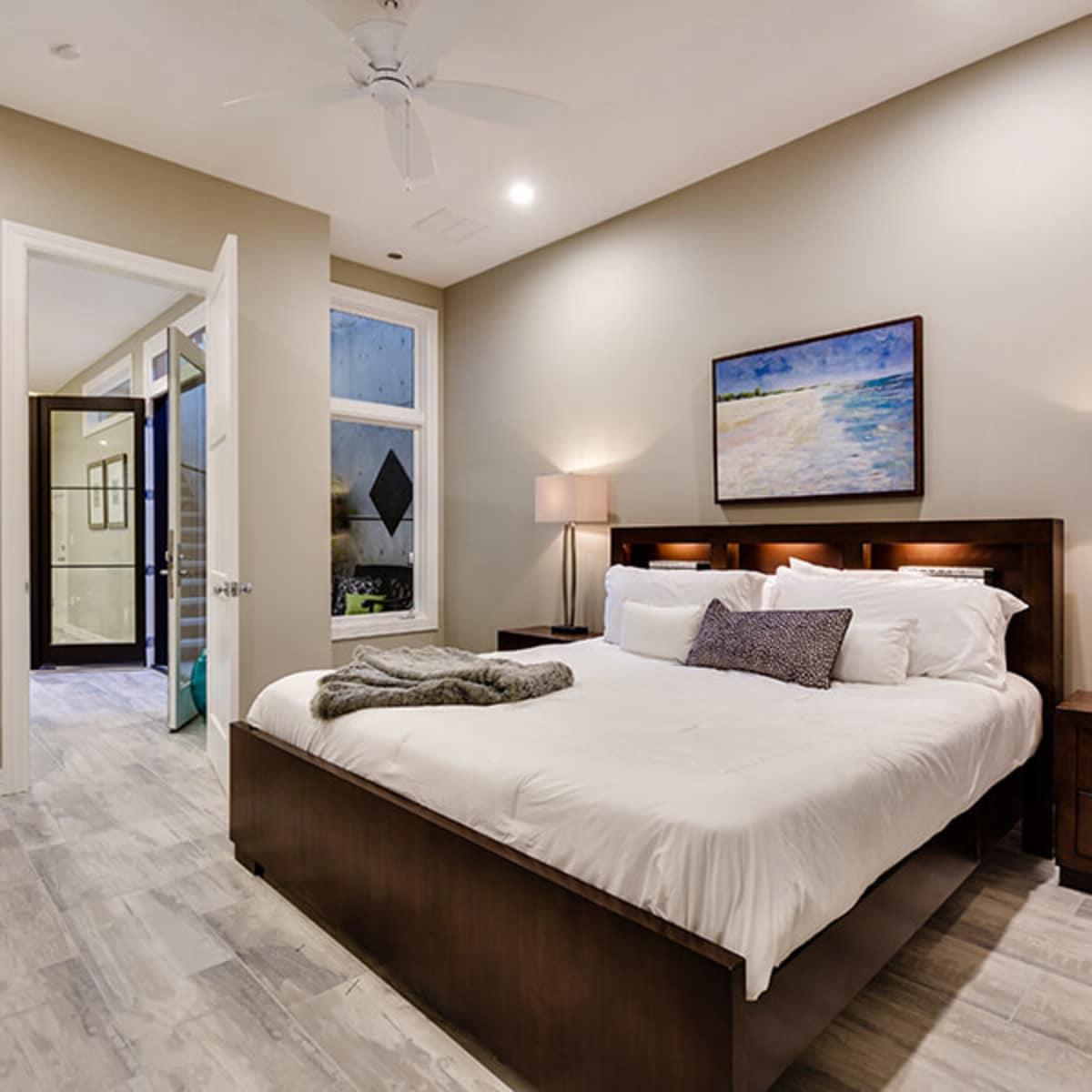 3612 Enfield - Basement Bedroom