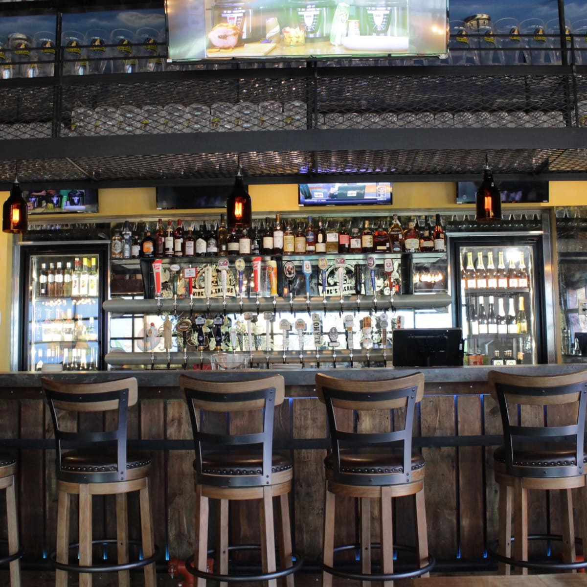 King's Biergarten bar