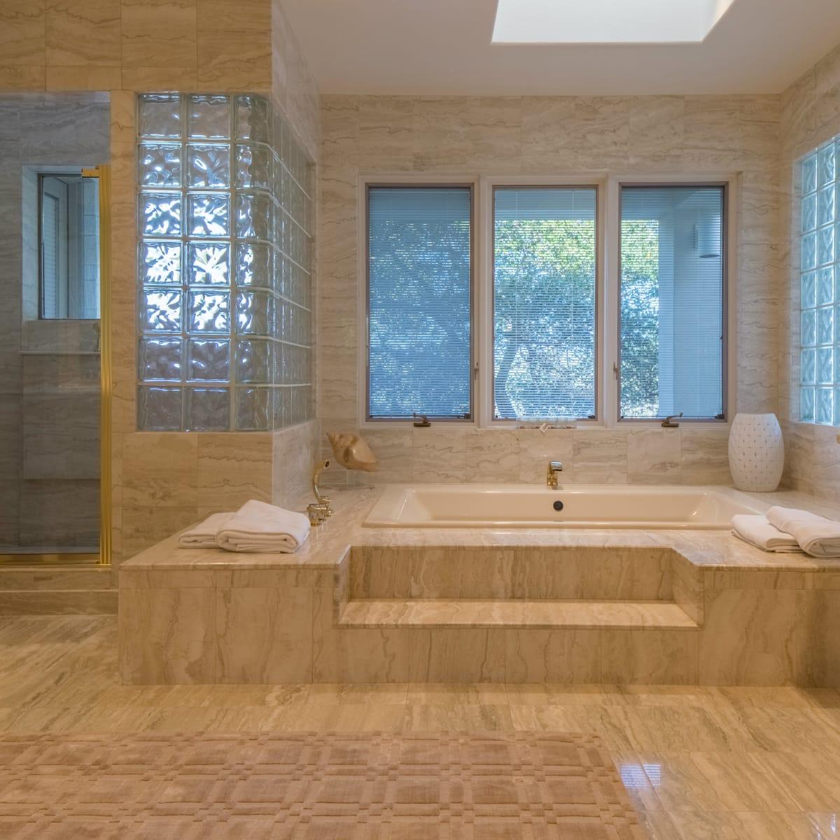 26100 Countryside Austin house for sale bathroom