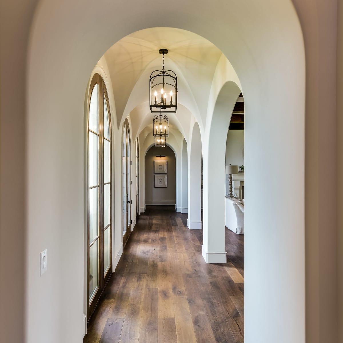 5709 Spanish Oaks Club Austin house for sale hallway