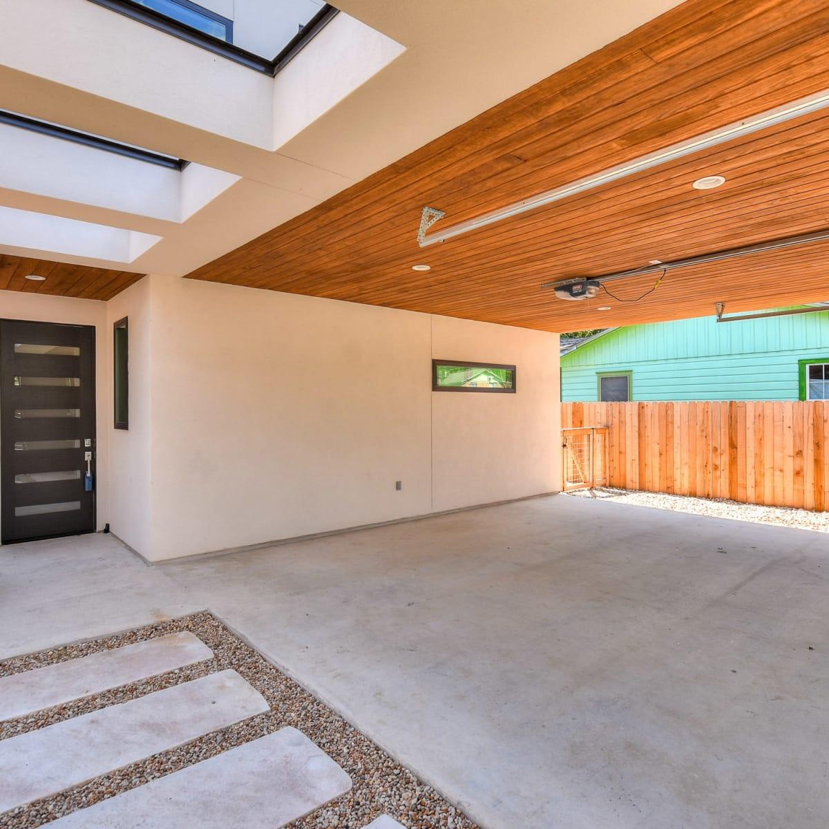 1613 Nash Ave Austin house for sale carport