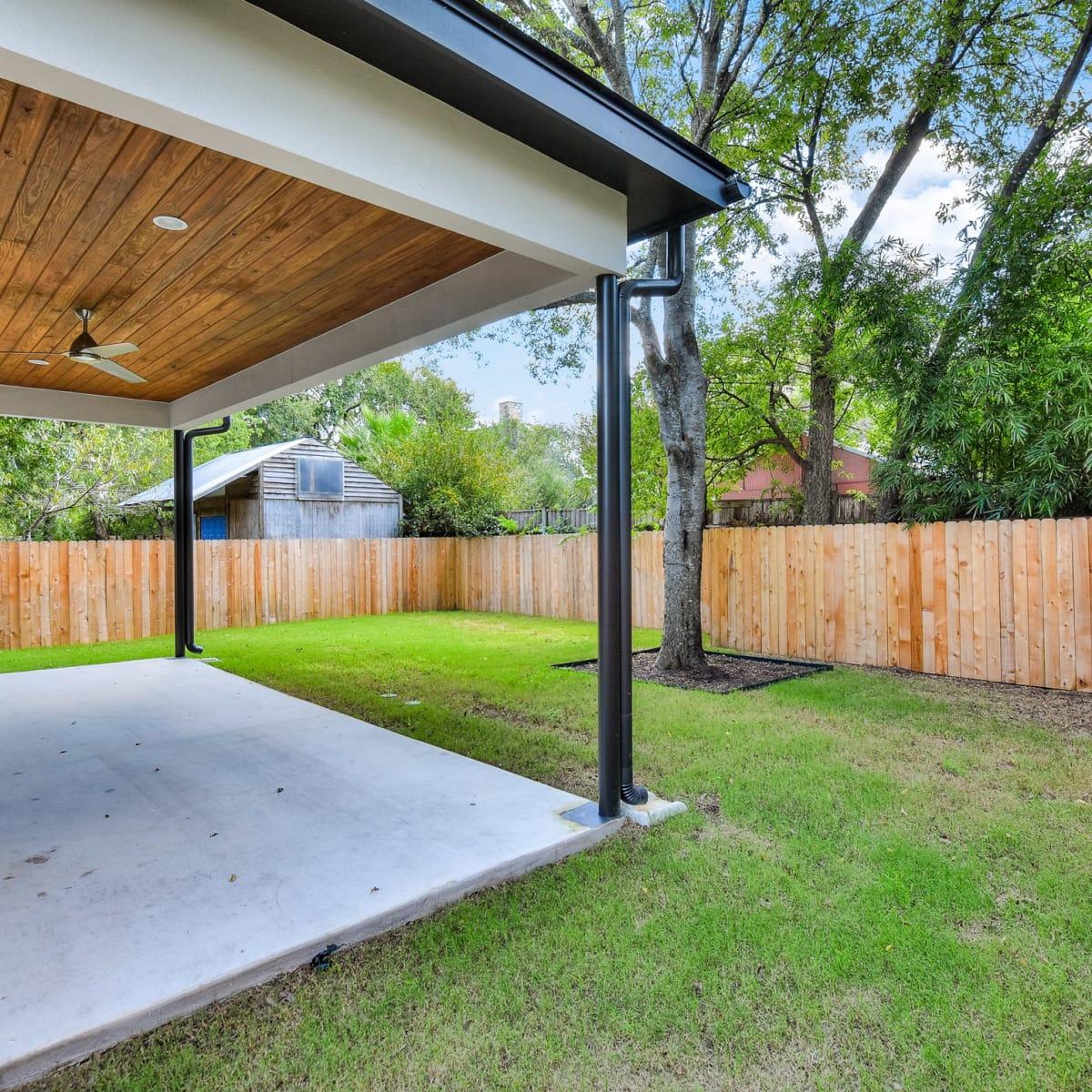1613 Nash Ave Austin house for sale backyard