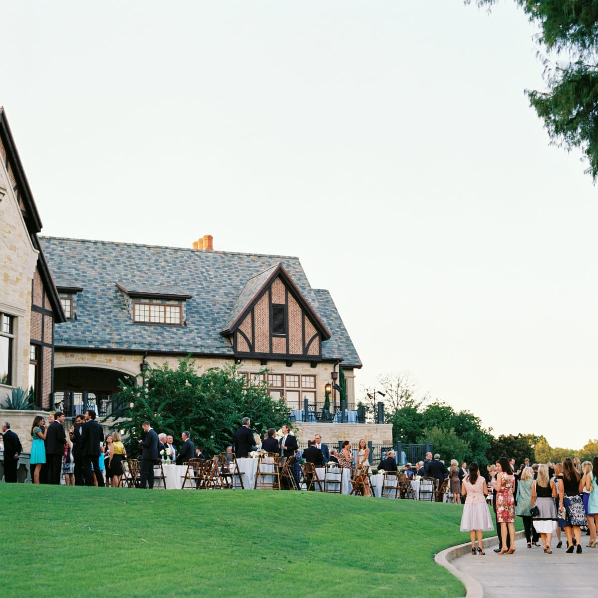 Dallas bride knows just what to do for a classic country club ...