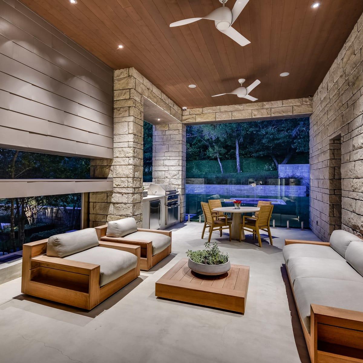 2009 Cueva de Oro Austin house for sale living room
