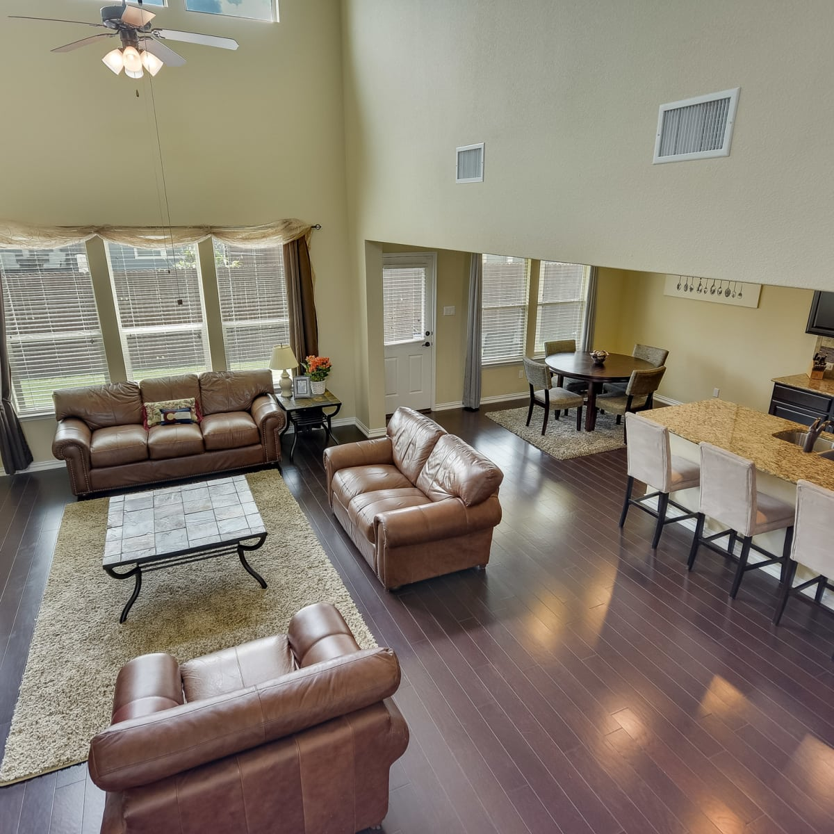 1400 Middlefield Austin house for sale living room