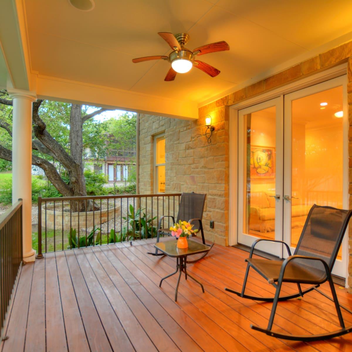 400 Almarian Austin house for sale porch