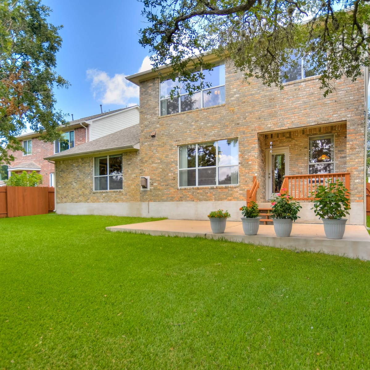 9013 Sautelle Austin house for sale backyard