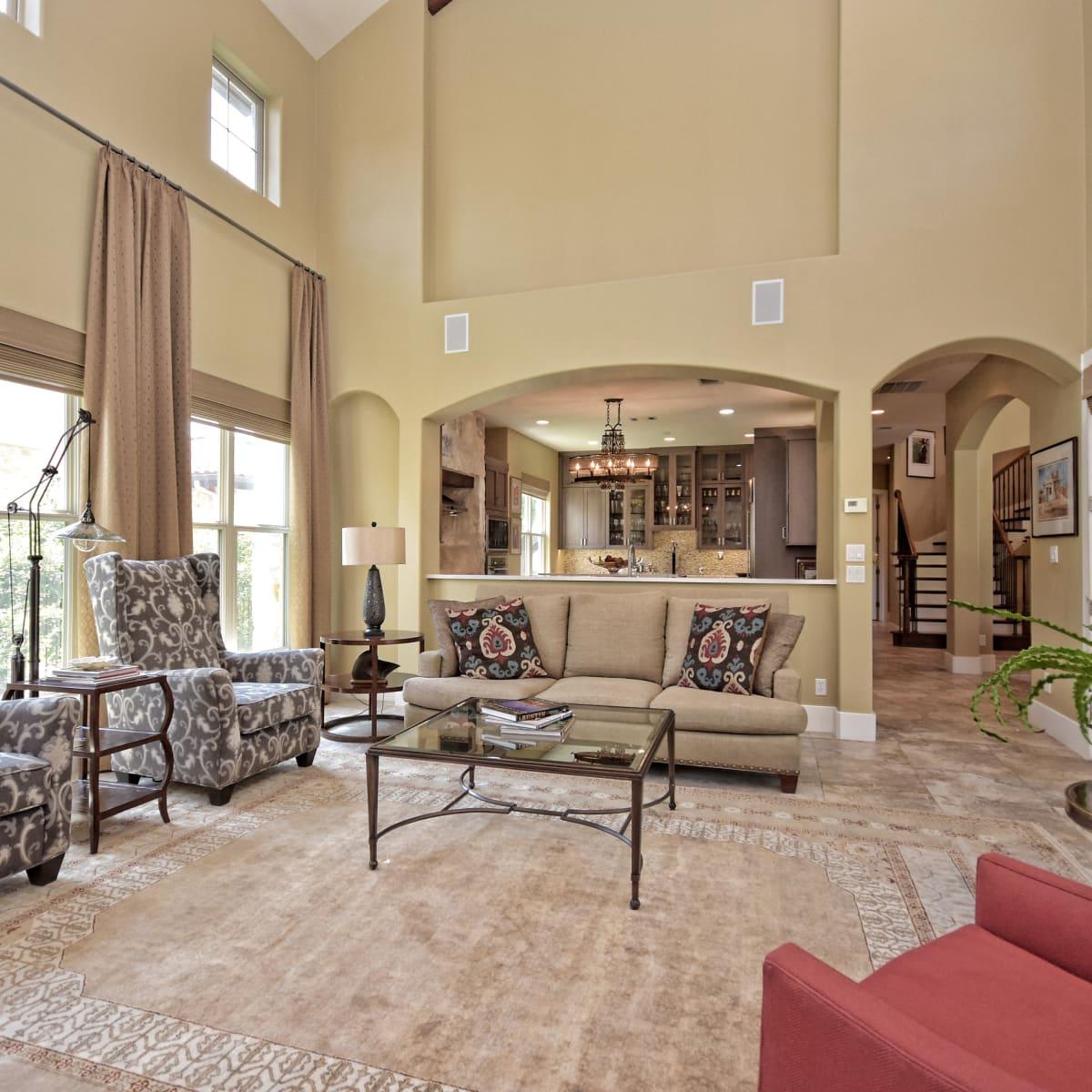 7200 Turnbuoy Austin house for sale living room