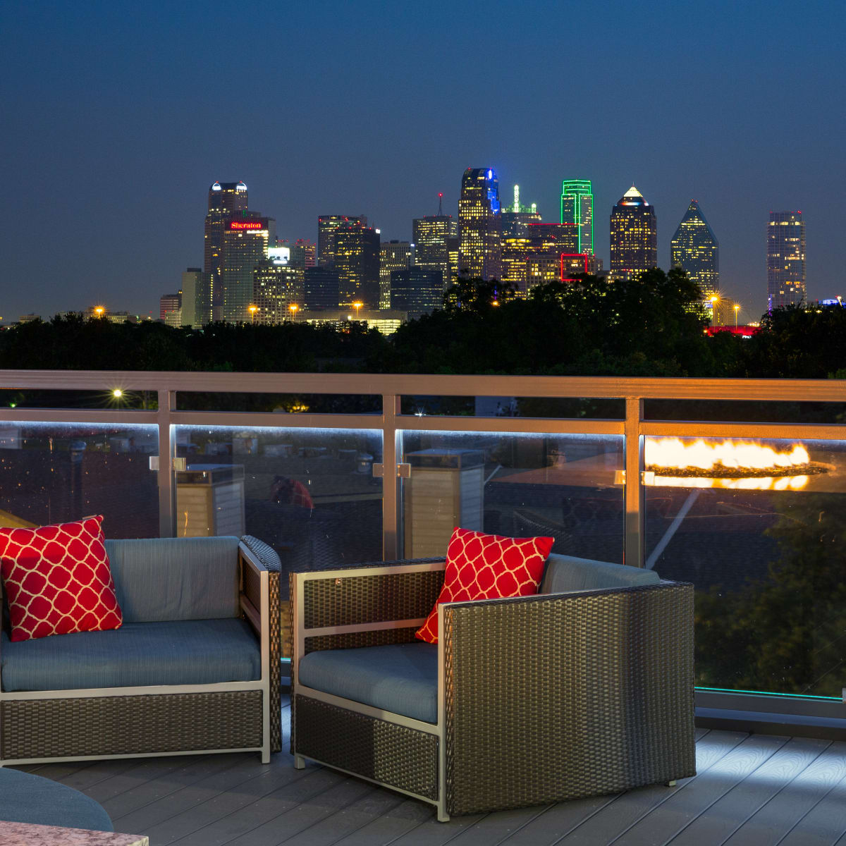 Strata Dallas roof deck
