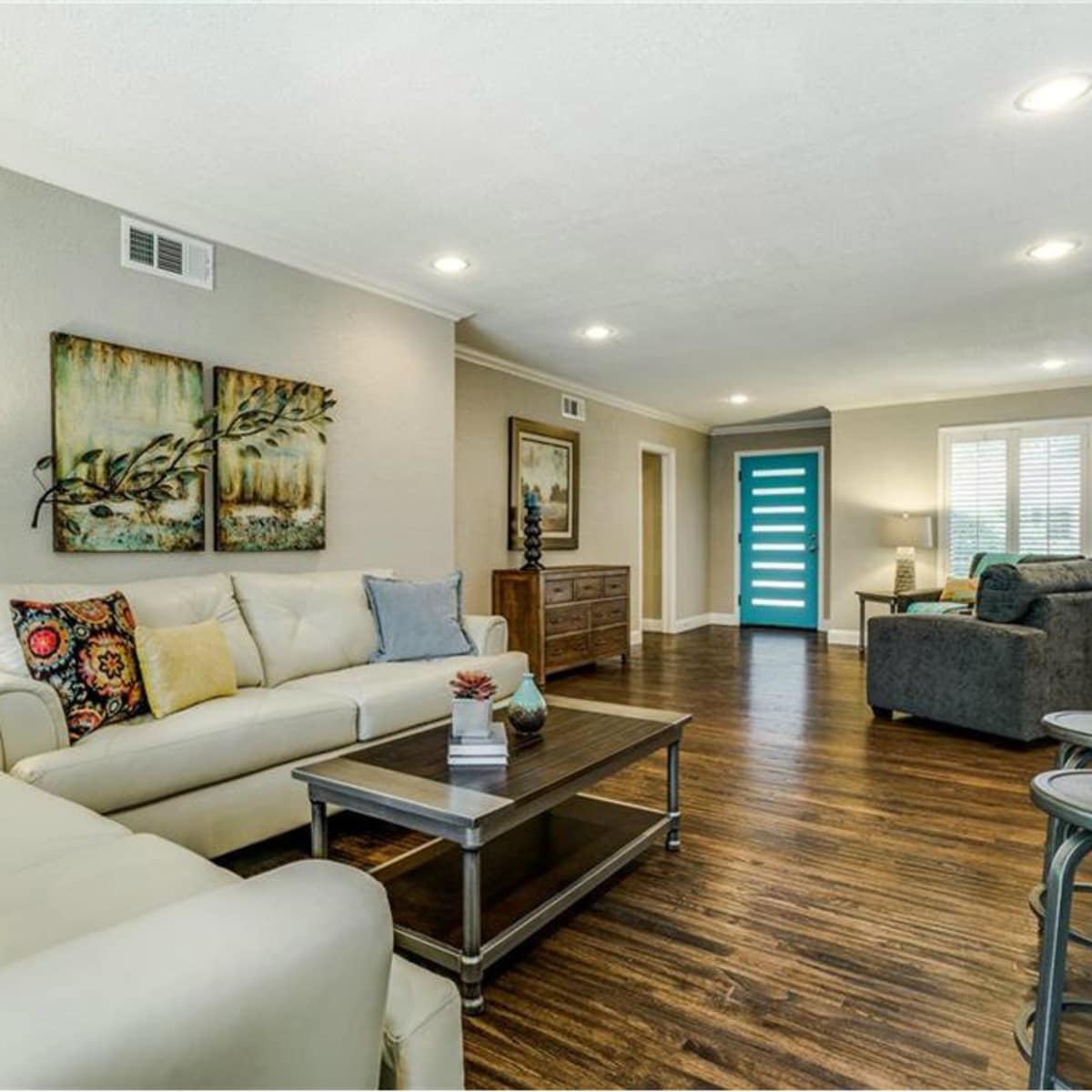 11229 Lanewood Cir living area