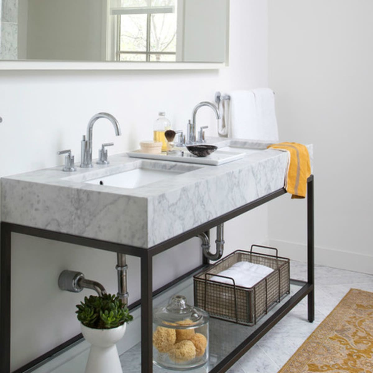 Houzz Austin home house modern Texas farmhouse bathroom