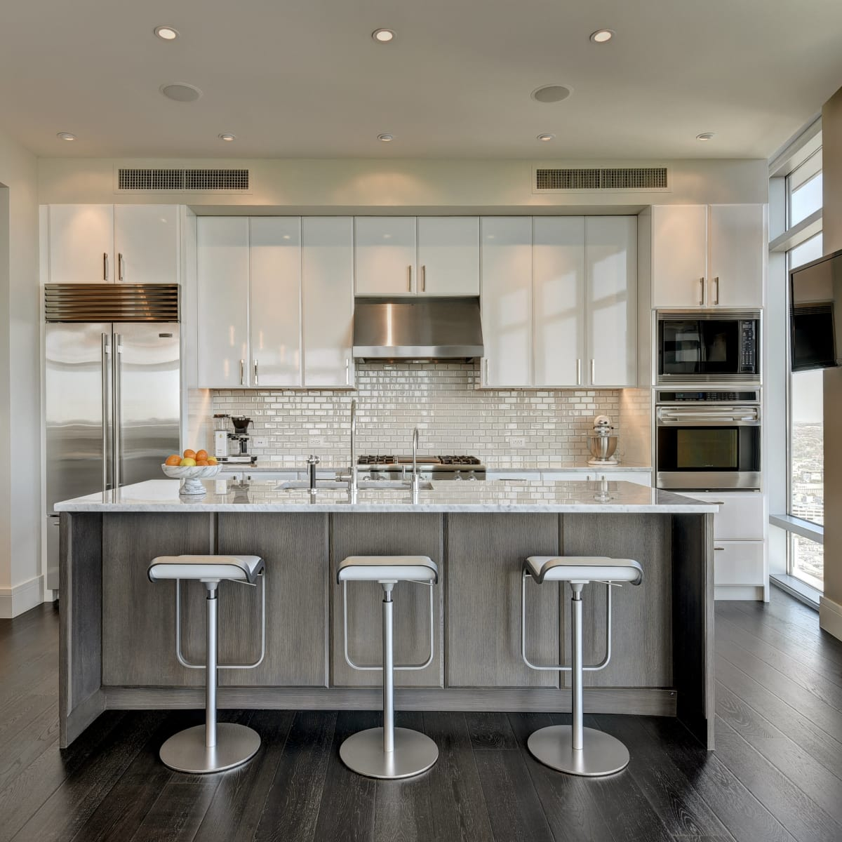 Austonian 33FF kitchen