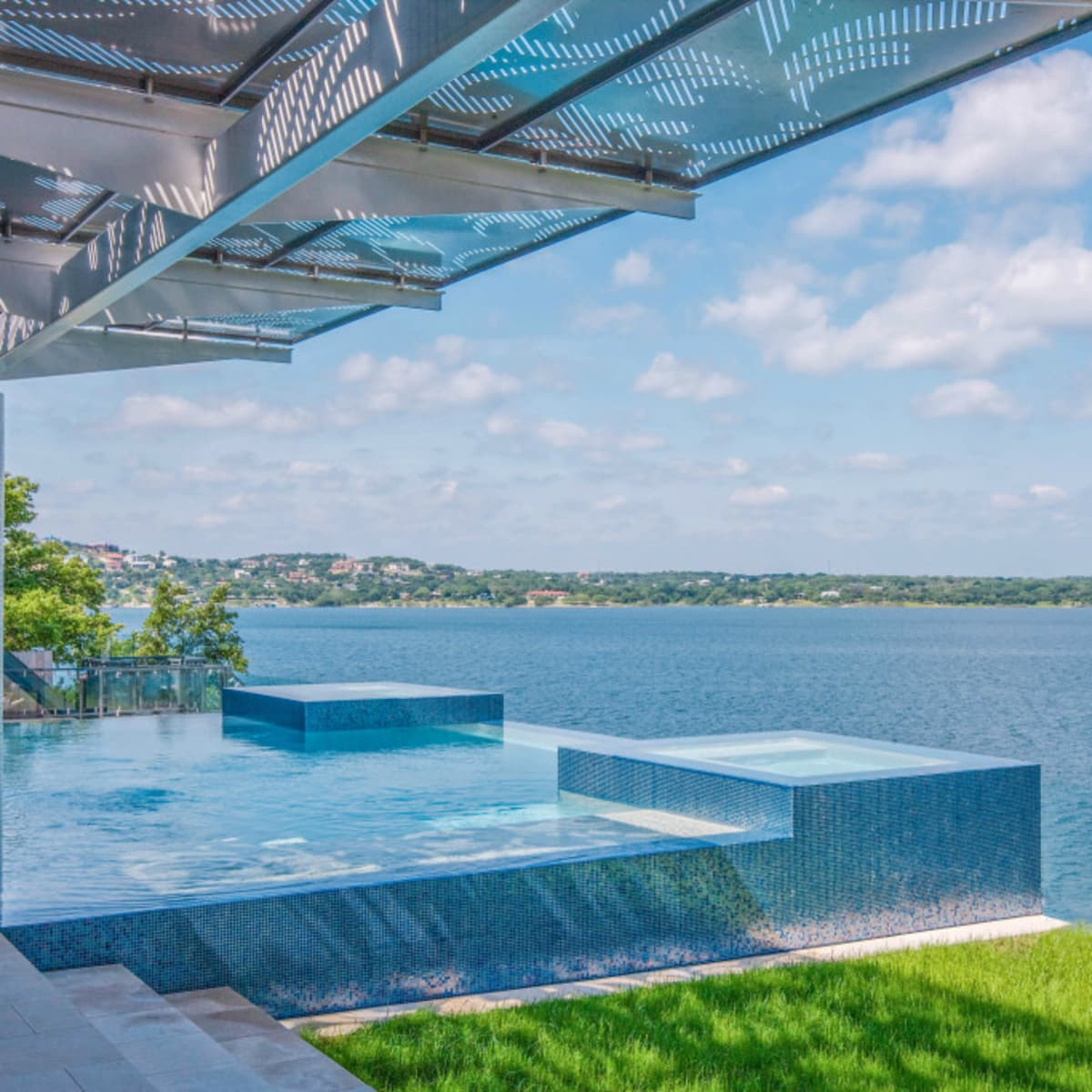 Austin house home Acqua Villa Winn Wittman Lake Travis 14515 Ridgetop Terrace 78732 exterior back side
