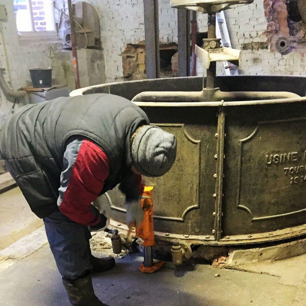 Christine Celis mash tun removal Hoegaarden