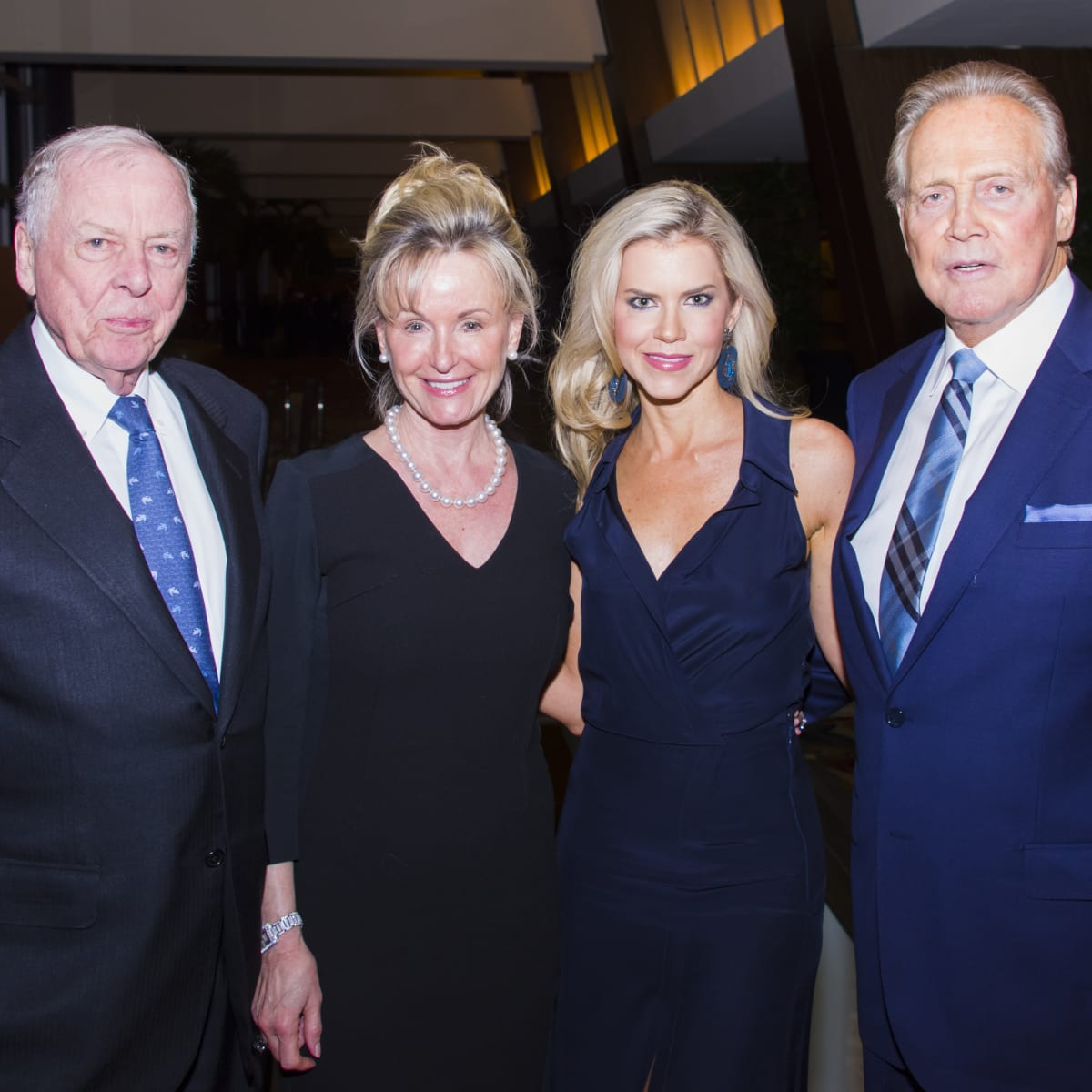Texas Heart Institute dinner, Feb. 2016, T. Boone Pickens, Toni Pickens, Faith Majors Lee Majors