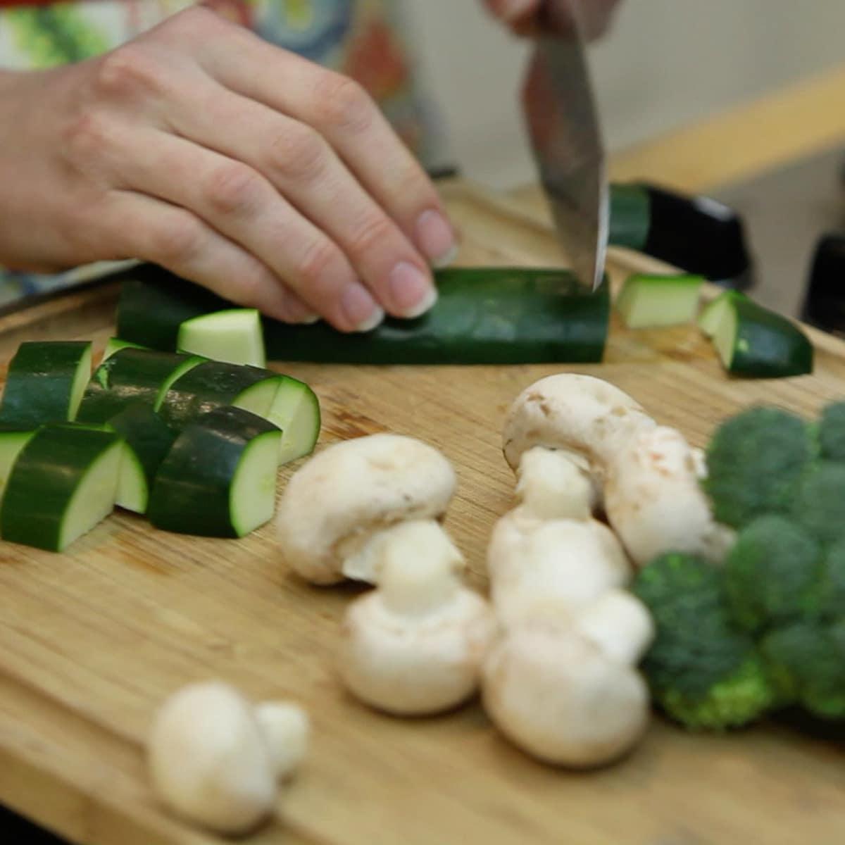 Roni Proter preparing chicken teriyaki stir fry