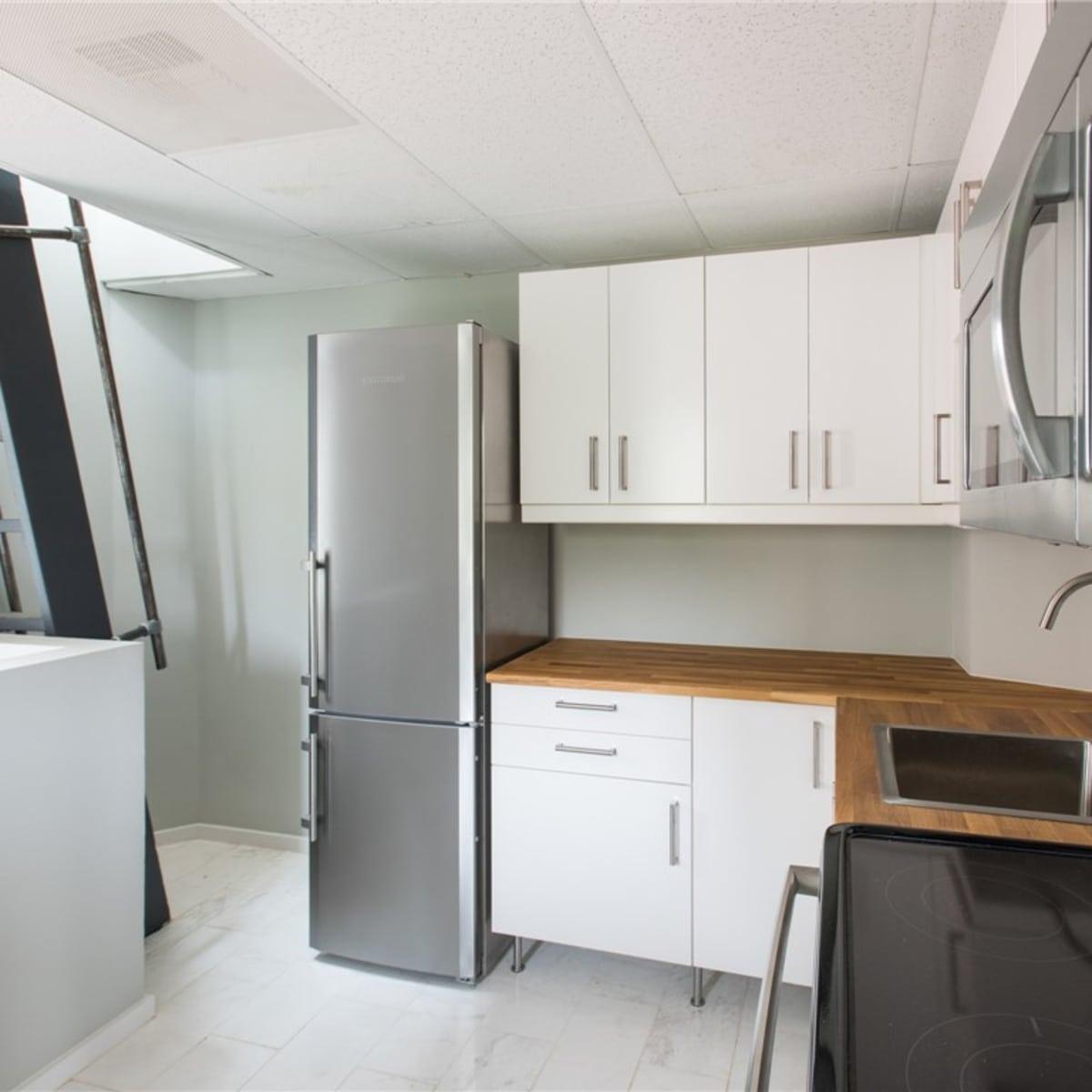 2700 Fairmount St. kitchen