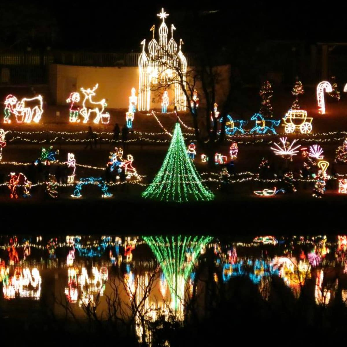 Marble Falls Walkway of Lights Christmas holiday display