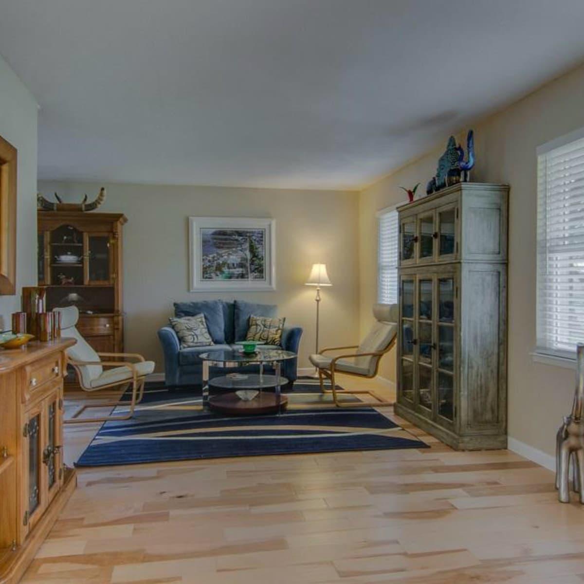 3065 Kinkaid Dr. living room in Dallas