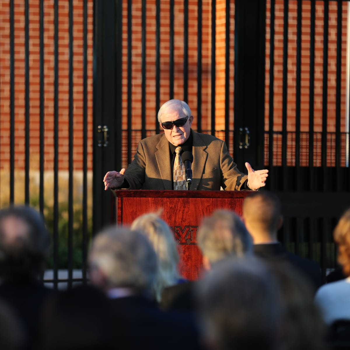 News, Shelby, John eddie Williams statue event, Nov. 2015, Grant Teaff