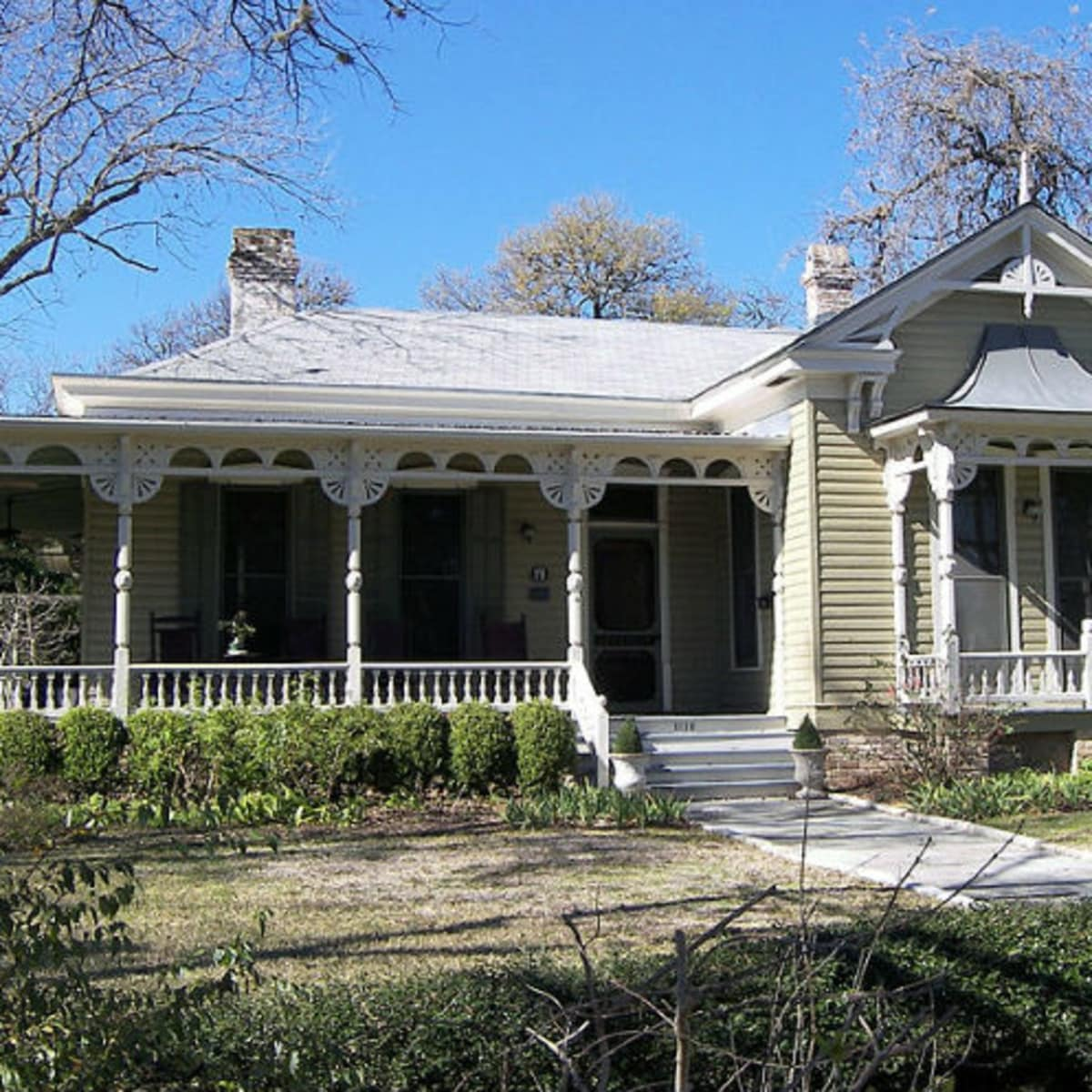 RentCafe 1881 Queen Anne home