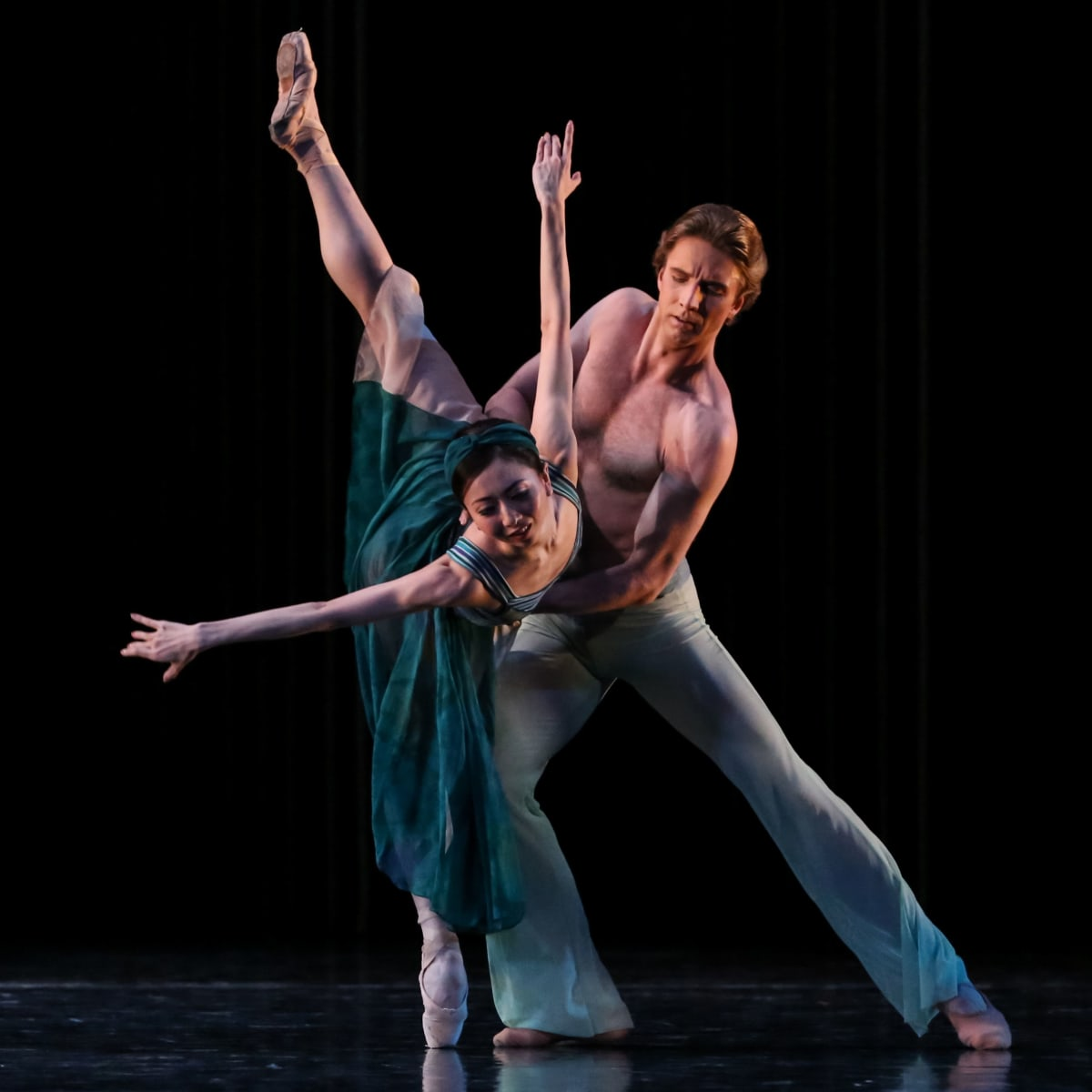 Yuriko Kajiya and Linnar Looris in Houston Ballet Tapestry