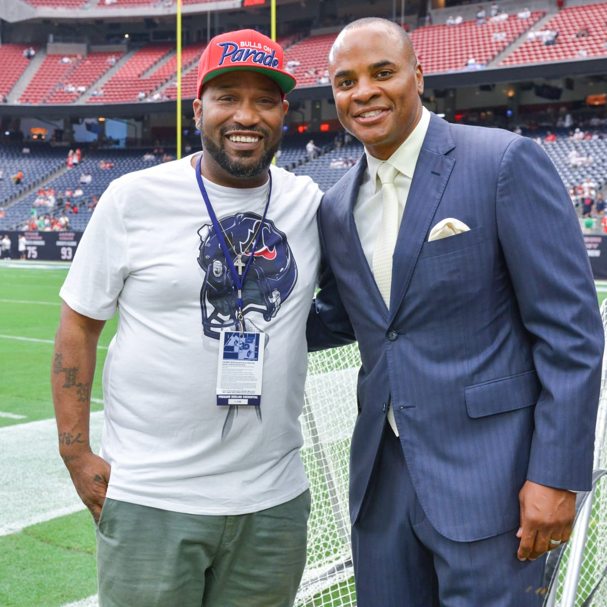 News, Shelby, Texans Owners suite, Sept. 2015, Bun B, Rick Smith