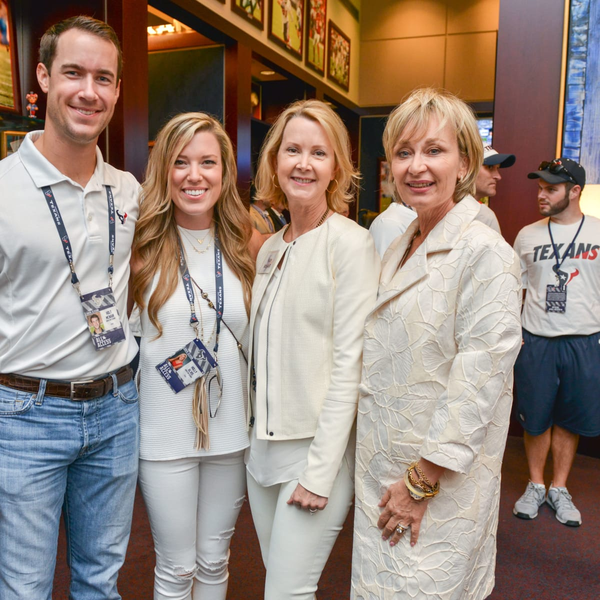 News, Shelby, Texans Owners suite, Sept. 2015, Holt McNair, Holly Alvis, Kate McNair, Cathy Borlenghi